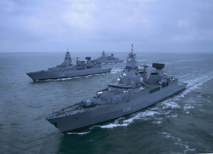 1424322266_sea-military-ships-navy-boats-oceans-vehicles-frigate-german-2126x1535-wallpaper_www.wallpaperfo.com_80