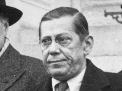 Джозеф Риттингер, бывший польский фашист, стал агентом британской разведки. По требованию МИ6 он организовал Европейскую лигу экономического сотрудничества и был её генеральным секретарём. На этом основании его можно считать отцом евро. Впоследствии он анимировал Европейское движение и создал Бильдербергский клуб.